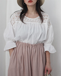 (and peanch)white lace blouse